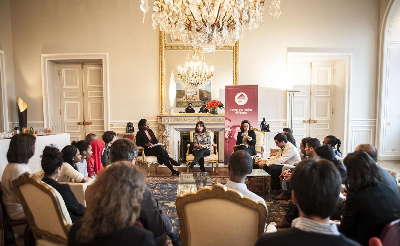 Anne Hidalgo, la Maire de Paris, rencontre la Communauté Different Leaders